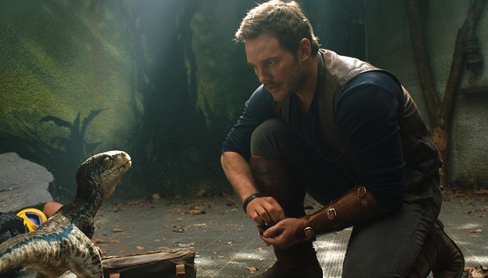 """《侏罗纪世界2》""""超级碗""""预告 神秘恐龙开启致命猎杀"""