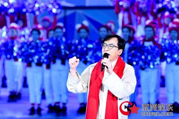 成龙吴京同台切磋   助力冬奥《拼出未来》