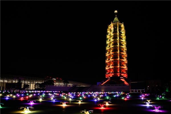 江苏卫视携手亿航白鹭、大报恩寺遗址博物馆让科技照亮金陵