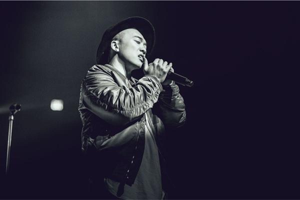 符龙飞新曲《Far Away》联手KIEN  跨国合唱强强合作