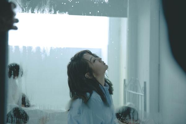 何洁《给陌生女孩的歌》MV温情上线  治愈系歌曲动人心弦