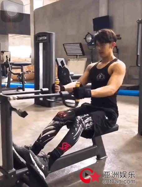 汪东城化身专业健身教练 管理身材健身餐曝光