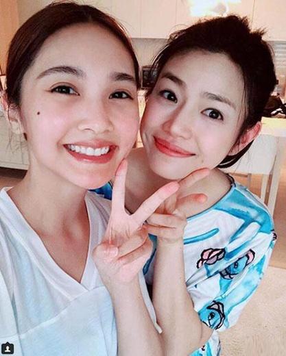 杨丞琳陈妍希合影引回忆杀 网友:两位安徽媳妇哈!