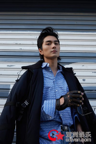 新锐演员邓竞曝光写真 质感十足展现少年魅力