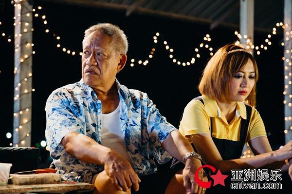 《疯狂这一年》6.15暖心上映 父亲节感受亲情与温暖