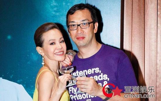 彭佳慧前夫首发声  求网友放过要保护家庭!