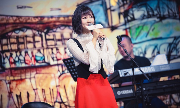 谢春花办新专辑《点心》首唱会 解锁新歌现场版温馨甜蜜