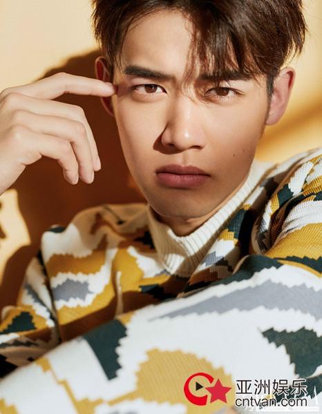 满屏荷尔蒙!刘冬沁时尚大片性感迷人显型男魅力