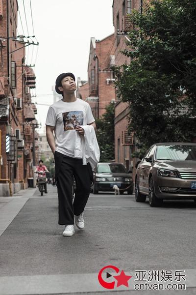 戴荃城市概念单曲《同时》全网发布MV同步上线