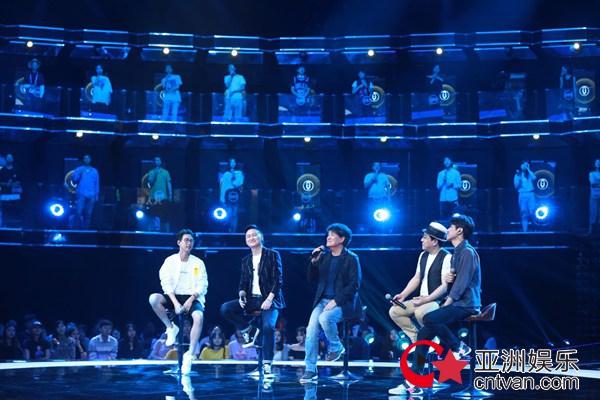 《嗨,唱起来!》周华健享受舞台:唱歌是一件很快乐的事