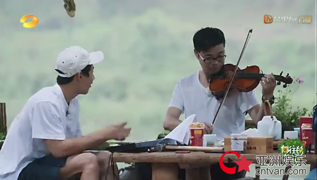 """王迅拉小提琴  黄渤直言""""人不可貌相"""""""