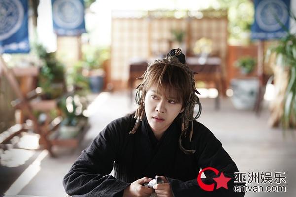 徐海乔新剧《夜天子》热度高 像叶小天这样的理想男友人人想要