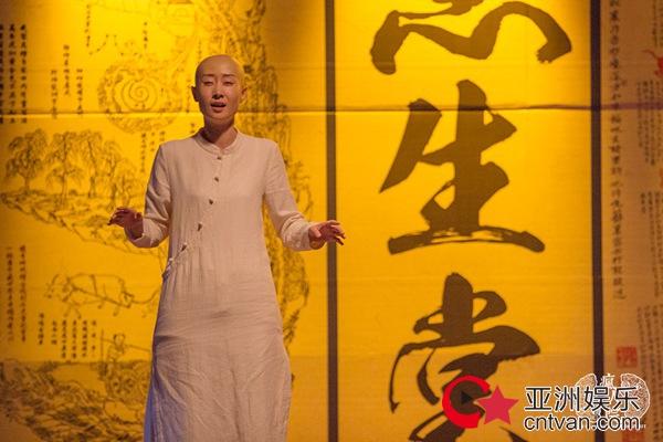 """刘敏涛光头造型惊艳 网友:这波操作""""亮""""了"""