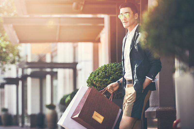 """世界旅行者胡兵签约""""比斯特购物村系列""""品牌 成为全球代言人"""