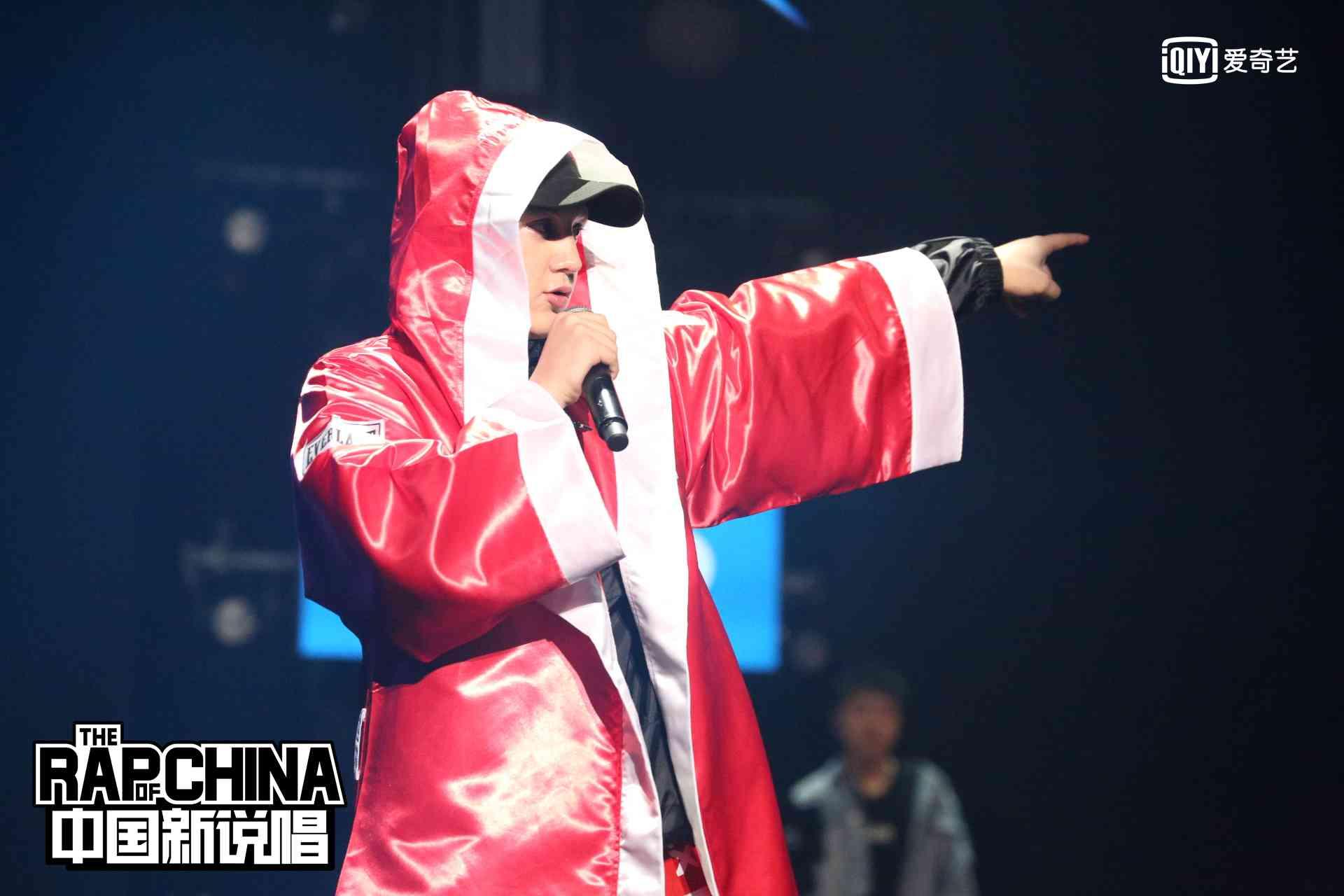 《中国新说唱》复活赛艾热王以太回归  小青龙不畏忘词:强的人永远强