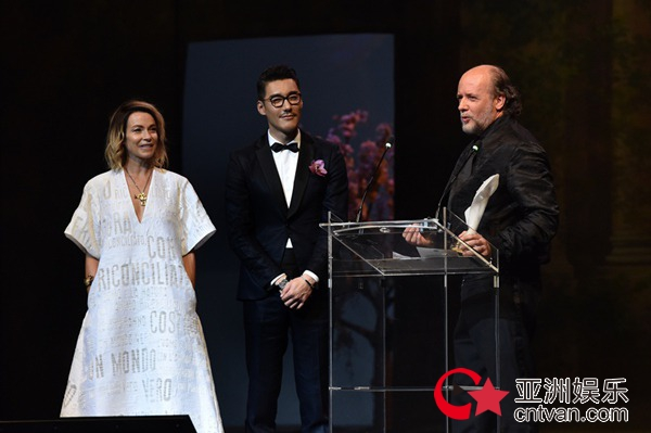 胡兵GCFA发表英文演讲 在国际时尚界再获赞肯