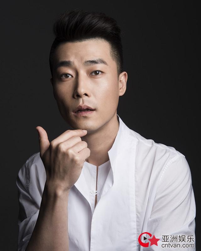 乔大韦新剧《正阳门下小女人》开播在即  三度合作刘家成导演
