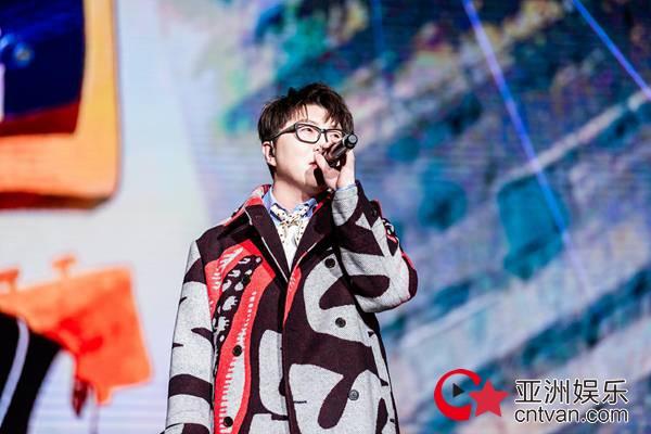 毛不易演唱会北京站圆满结束,吴青峰空降助阵火花不断
