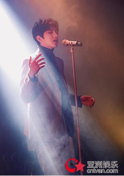 """新歌浙江卫视首秀  蔡徐坤""""美好奇妙夜""""从天而降"""