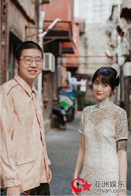 李诞与女友晒照  李诞参加的节目有哪些?