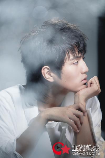 仙嗓少年尹毓恪梦幻写真 画面唯美似行走的画报王子