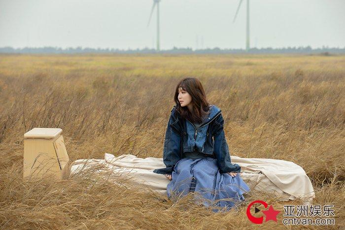 """王心凌最具记忆点的歌!《到处不存在的我》MV袒露""""心声"""""""