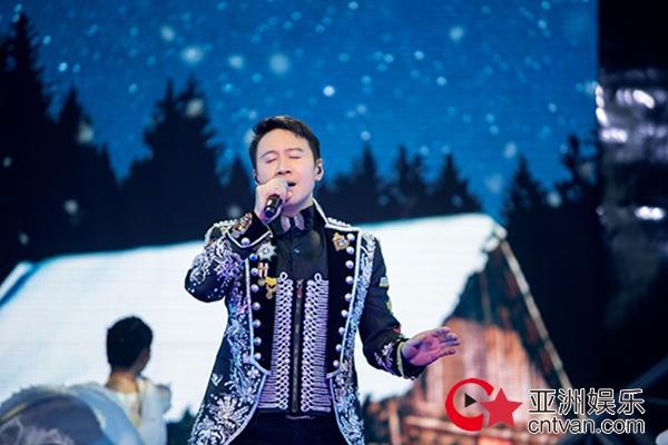 黎明马来西亚热力开唱 JC陈泳彤助唱《说散就散》嗨翻全场