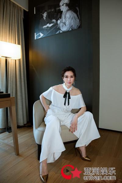 石天琦时尚大片美出新高度 大气优雅玩转气质女神范儿