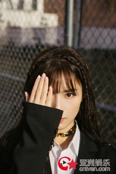 陈意涵Estelle新单曲《想你》零点上线 浪漫旋律拥抱你我