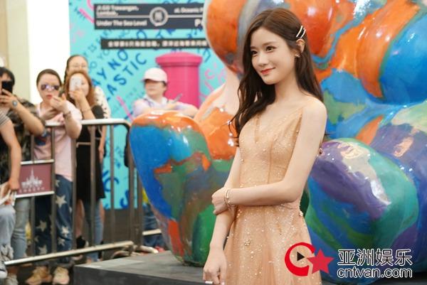 陈意涵Estelle出席上海时髦之夜 美好纯净气质备受瞩目
