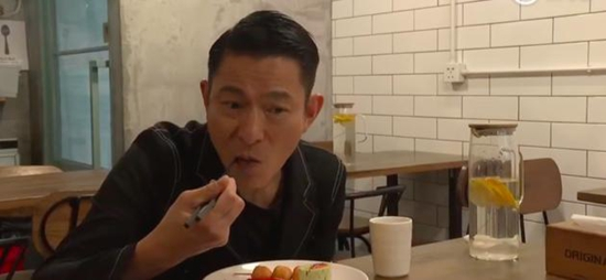 刘德华吃素6年 真实原因曝光令人感动!