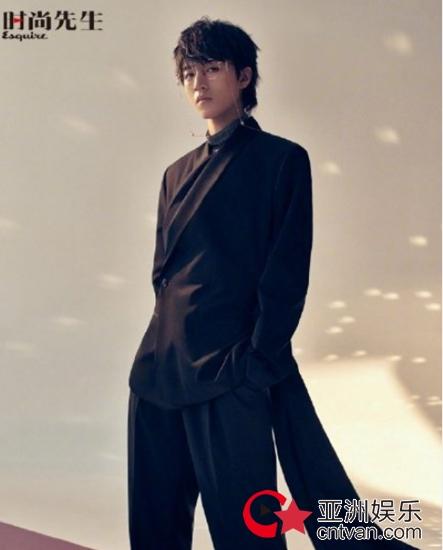 王俊凯日系发型上热搜 原来弟弟也可以很文艺