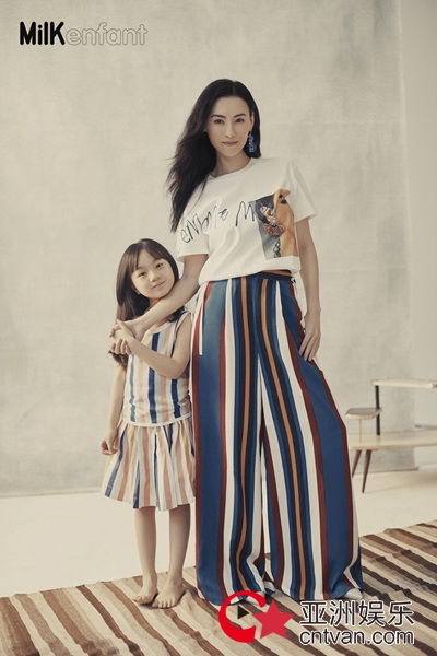 张柏芝登杂志创刊号封面  与小山竹重回小时候,画面温馨有爱