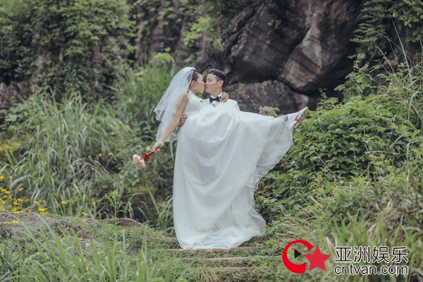 《我最爱的女人们》收官蔡少芬穿婚纱配运动鞋 与张晋甜蜜拥吻
