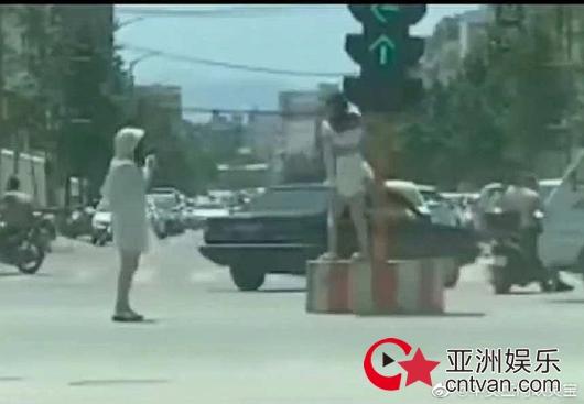 为涨粉红绿灯下跳舞 被依法予以行政拘留七日!