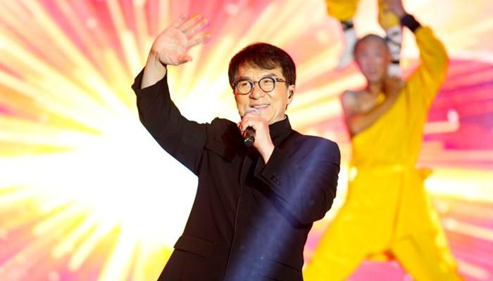 成龙携辛有志亮相北京奥体 王力宏、邓紫棋献唱金曲为其品牌助力