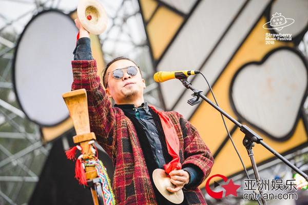 神纳姆发布新单曲《拐球》 贵州方言诠释怪趣美学
