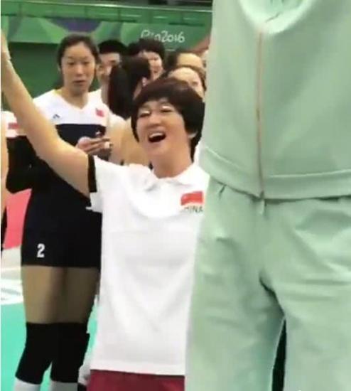 朱婷佩服巩俐演郎平 郎导认为打排球比演戏更难