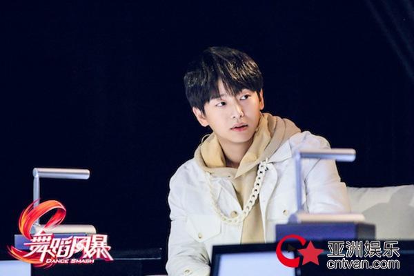 《中国女排》官宣彭昱畅出演青年陈忠和 挑战高难度动作狂摔十几次