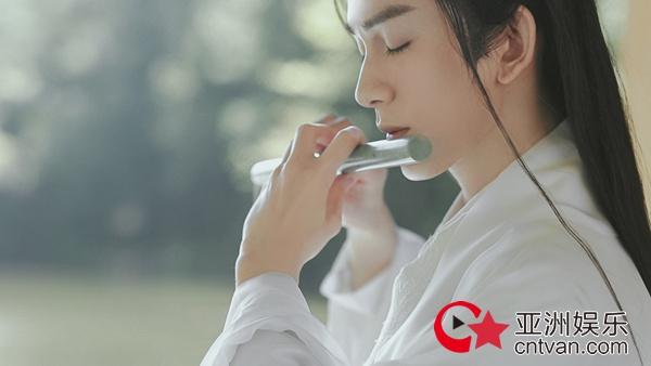 朱赞锦国风大片首发引热议 登抖音热搜TOP5人气爆