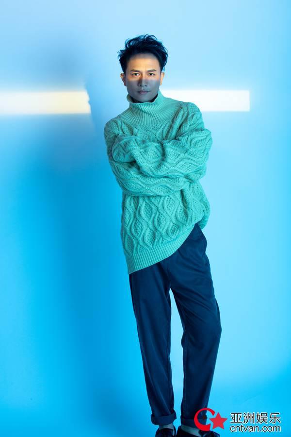 欢子时尚造型曝光 清新风格引领冬季潮流