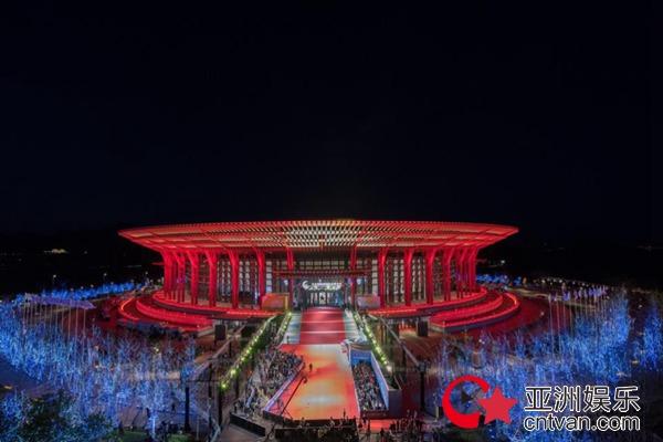 邀约您!踏上第十届北京国际电影节开闭幕红毯