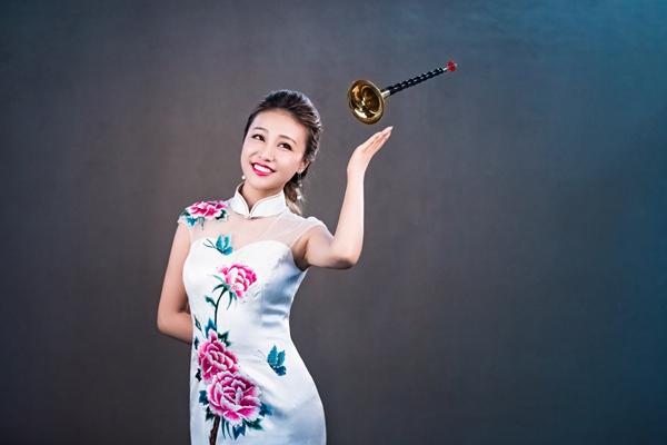 """唢呐演奏家张倩渊带着中国唢呐艺术奏响加拿大""""欢乐春节"""""""