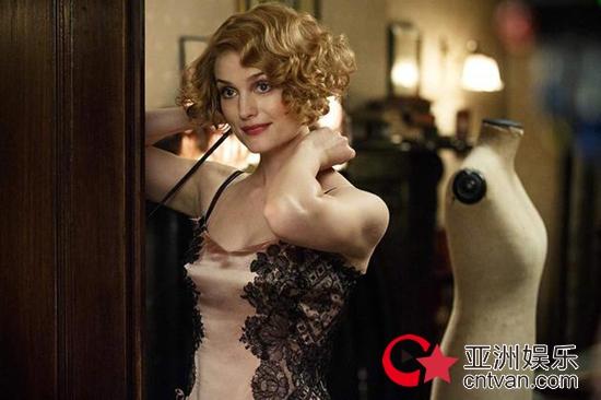 美国演员苏朵儿疑似感染新冠 称正在隔离呼吁严肃对待病毒!