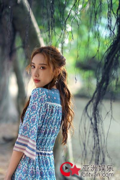 """许靖韵粤语新歌《别为我好》今日上线 MV拍摄撕掉""""雨神""""标签"""