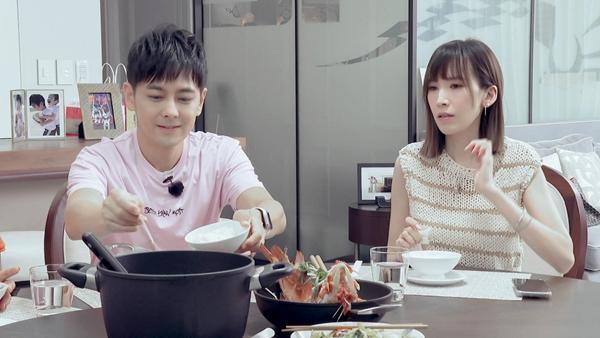 """《婆婆和妈妈》陈若仪为林志颖妈妈下厨 姜潮回应""""儿子争宠""""自信十足"""