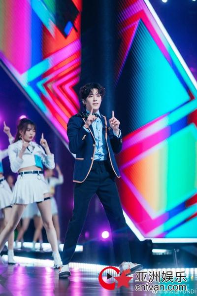 李云迪担任《创造营2020》成团见证人 跳女团舞萌翻全场