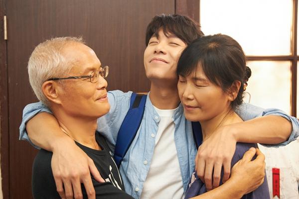 韦礼安《房客》MV7/29上架 韦爸韦妈首度登场上演真实韦家生活