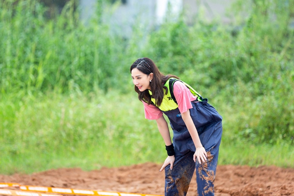 《小巨人运动会》陈立农被众人催生孩子 许佳琪帮孔雪儿追星树苗