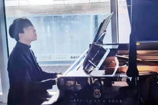 国际青年钢琴家刘骥挑战吉尼斯世界纪录连续18小时弹奏将在这里完成